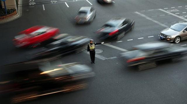 Trung Quốc tính giảm hơn một nửa thuế nhập khẩu ô tô: Phá thế độc tôn xe nội