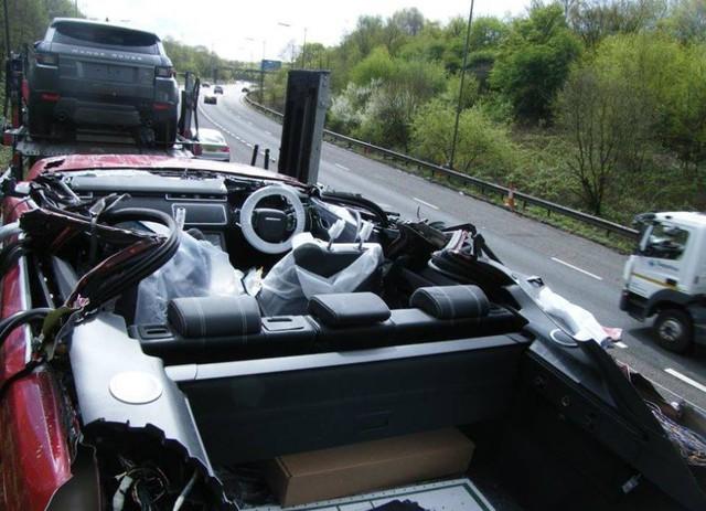 Tài xế này cho Land Rover thấy Range Rover Velar mui trần sẽ như thế nào - Ảnh 2.