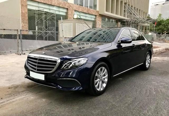 Lăn bánh hơn 12.000km, Mercedes-Benz E200 2017 được bán lại với giá 1,86 tỷ đồng - Ảnh 1.