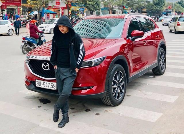 Cất Mazda CX-5, Hữu Công cầm lái Mercedes-Benz C250 Exclusive đi đón dâu - Ảnh 4.