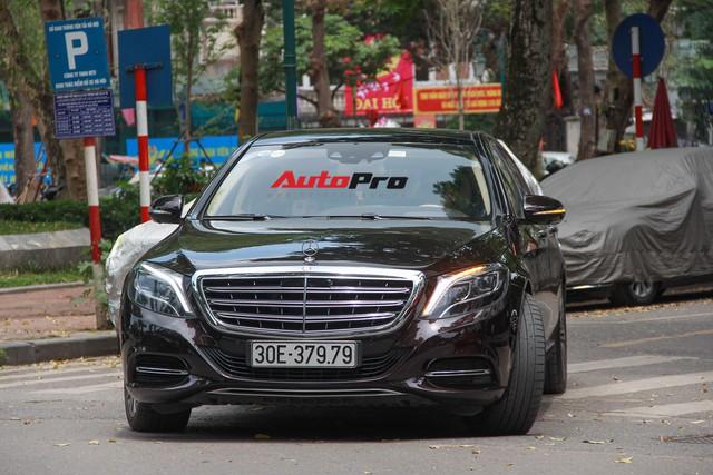 Siêu xe và xe sang xuống phố dịp nghỉ lễ 30/4 - 1/5 tại Hà Nội - Ảnh 10.