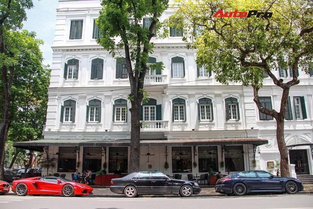 Siêu xe và xe sang xuống phố dịp nghỉ lễ 30/4 - 1/5 tại Hà Nội - Ảnh 14.