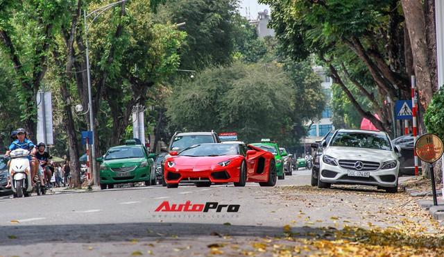 Siêu xe và xe sang xuống phố dịp nghỉ lễ 30/4 - 1/5 tại Hà Nội - Ảnh 18.