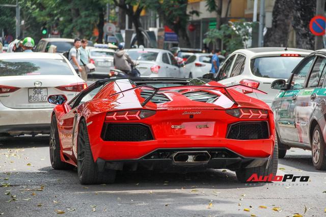 Siêu xe và xe sang xuống phố dịp nghỉ lễ 30/4 - 1/5 tại Hà Nội - Ảnh 1.