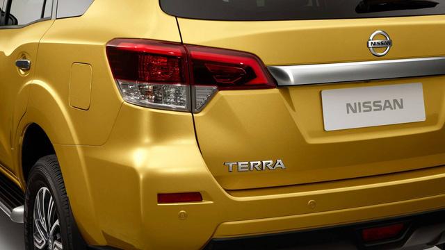 Cạnh tranh Toyota Fortuner, Nissan Terra bắt đầu xuất hiện tại đại lý, chuẩn bị ra mắt chính thức - Ảnh 2.