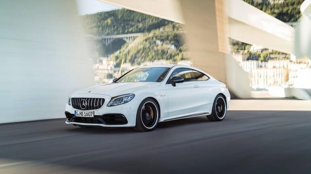 Đây là cách phân biệt Mercedes-AMG C63 2018 vs 2019