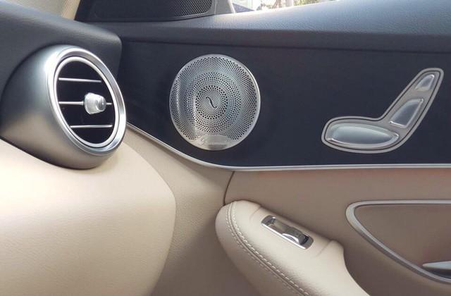 Cạnh tranh BMW 3-Series của THACO phân phối, Mercedes-Benz C-Class thêm nâng cấp, giá không đổi - Ảnh 1.