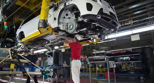 Trung Quốc, Mỹ chuẩn bị cho chiến tranh thương mại, thị trường ô tô toàn cầu sắp có biến lớn? - Ảnh 1.