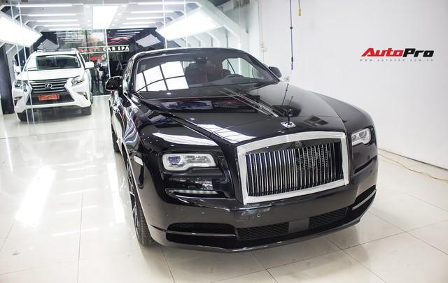 Bên trong Rolls-Royce Wraith Black Badge thứ 2 tại Việt Nam có gì? - Ảnh 28.