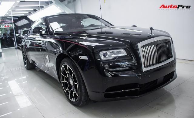 Bên trong Rolls-Royce Wraith Black Badge thứ 2 tại Việt Nam có gì? - Ảnh 1.