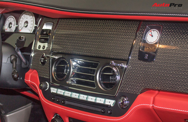 Bên trong Rolls-Royce Wraith Black Badge thứ 2 tại Việt Nam có gì? - Ảnh 15.