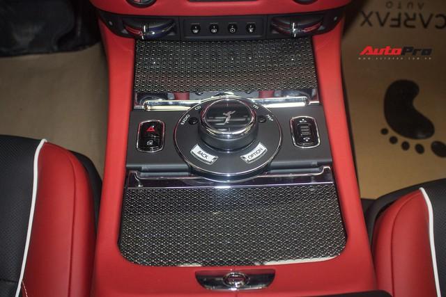Bên trong Rolls-Royce Wraith Black Badge thứ 2 tại Việt Nam có gì? - Ảnh 20.
