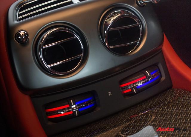 Bên trong Rolls-Royce Wraith Black Badge thứ 2 tại Việt Nam có gì? - Ảnh 25.