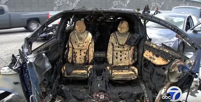 Tài xế Tesla chạy lại tuyến đường Autopilot gặp tai nạn chết người, suýt mang vạ theo - Ảnh 2.