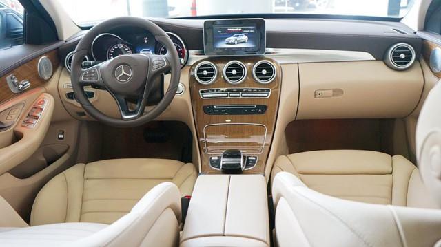Cạnh tranh BMW 3-Series của THACO phân phối, Mercedes-Benz C-Class thêm nâng cấp, giá không đổi