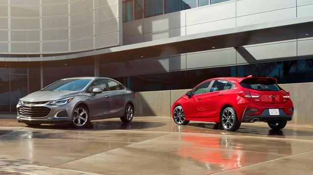 Chevrolet nâng cấp nhẹ Spark, Cruze 2019, nội thất hiện đại hơn