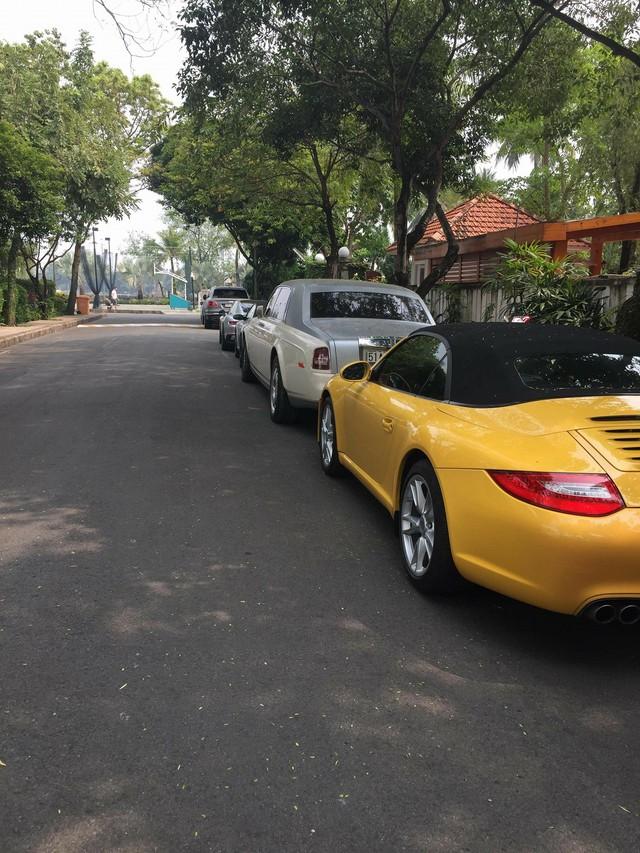 Bộ đôi Audi R8 V10 Plus của ông trùm cafe Trung Nguyên tại Sài Gòn - Ảnh 4.