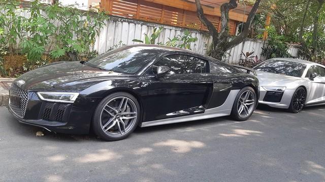 Bộ đôi Audi R8 V10 Plus của ông trùm cafe Trung Nguyên tại Sài Gòn