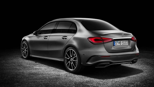 Mercedes-Benz có thể ra mắt A-Class sedan ngay trong tháng 4 - Ảnh 1.