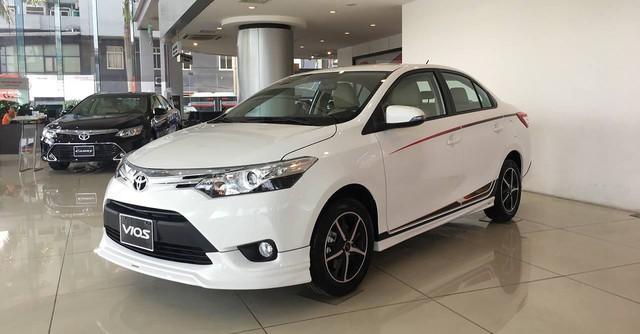 Sắp ra mắt, Hyundai Accent 2018 có gì để cạnh tranh Toyota Vios? - Ảnh 2.