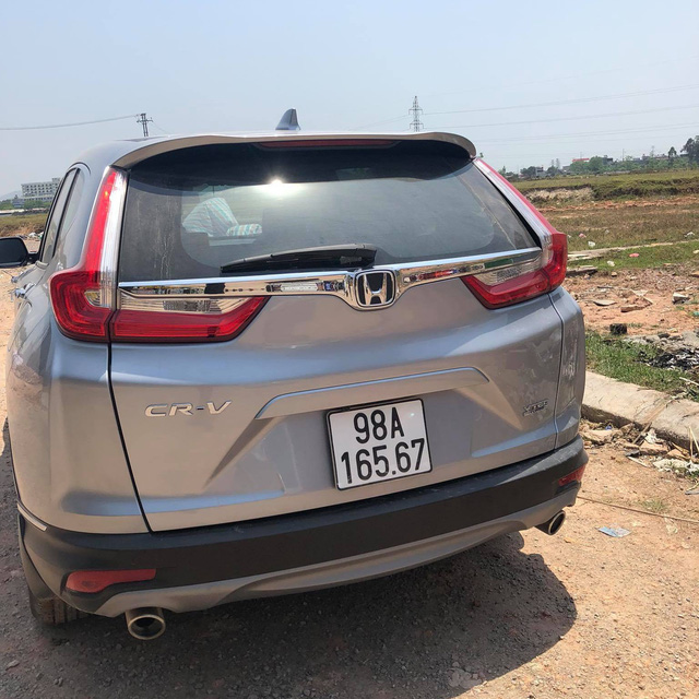 Sau 2 tháng sử dụng, chủ xe Honda CR-V 2018 chịu khấu hao 300 triệu đồng để bán lại nhưng vẫn bị chê đắt - Ảnh 4.