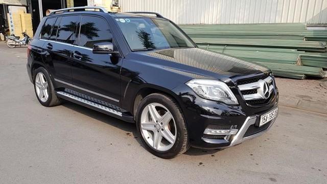 Mercedes-Benz GLK250 AMG 2015 được rao bán lại giá 1,38 tỷ đồng - Ảnh 1.