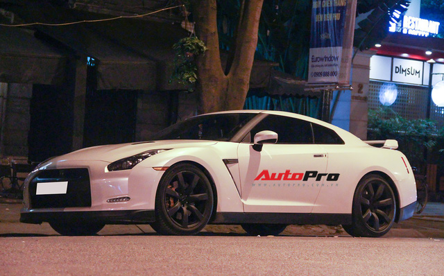 """""""Siêu xe giá rẻ"""" Nissan GT-R xuất hiện tại Hà Nội - Ảnh 2."""