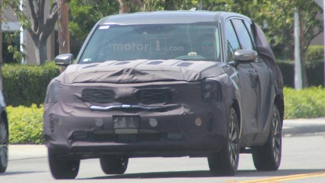 SUV 7 chỗ hoàn toàn mới Kia Telluride lần đầu xuất hiện ngoài đời thực - Ảnh 5.