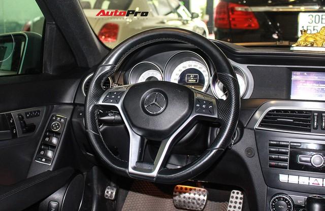 Mercedes-Benz C300 AMG 2010 đi hơn 100.000km rao bán lại giá gần 700 triệu đồng - Ảnh 15.