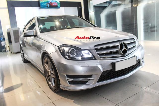 Mercedes-Benz C300 AMG 2010 đi hơn 100.000km rao bán lại giá gần 700 triệu đồng - Ảnh 1.