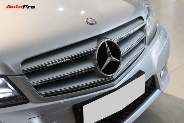 Mercedes-Benz C300 AMG 2010 đi hơn 100.000km rao bán lại giá gần 700 triệu đồng - Ảnh 5.