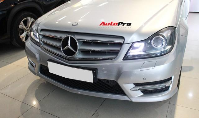 Mercedes-Benz C300 AMG 2010 đi hơn 100.000km rao bán lại giá gần 700 triệu đồng - Ảnh 3.