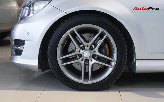 Mercedes-Benz C300 AMG 2010 đi hơn 100.000km rao bán lại giá gần 700 triệu đồng - Ảnh 8.