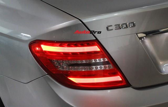 Mercedes-Benz C300 AMG 2010 đi hơn 100.000km rao bán lại giá gần 700 triệu đồng - Ảnh 11.