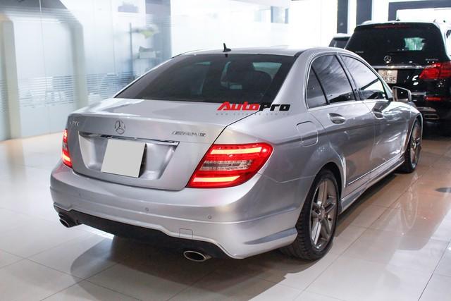 Mercedes-Benz C300 AMG 2010 đi hơn 100.000km rao bán lại giá gần 700 triệu đồng - Ảnh 2.
