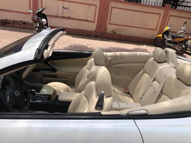 Đi hơn 8 năm, mui trần hạng sang Lexus IS250c mất nửa giá tại Hà Nội - Ảnh 10.