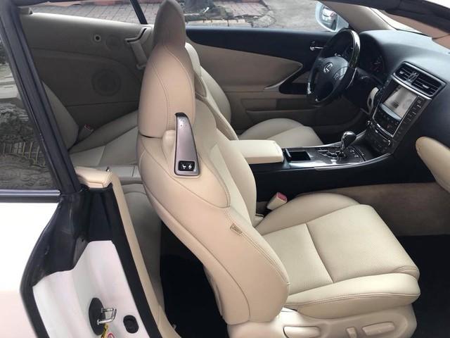 Đi hơn 8 năm, mui trần hạng sang Lexus IS250c mất nửa giá tại Hà Nội - Ảnh 9.