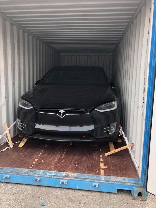 Chồng siêu mẫu Ngọc Thạch tậu thêm xe điện tự lái Tesla Model X tại Việt Nam - Ảnh 3.