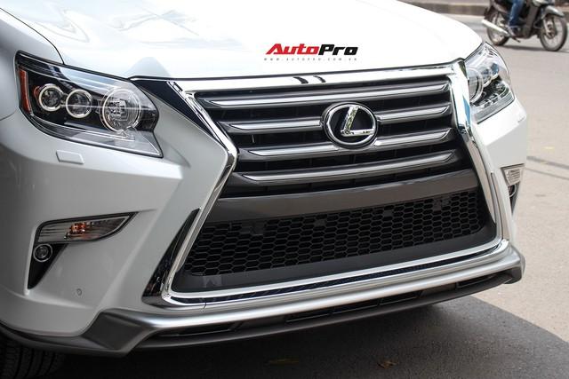 Lexus GX460 Sport 2018 nhập Mỹ giá gần 6 tỷ đồng về Việt Nam - Ảnh 5.