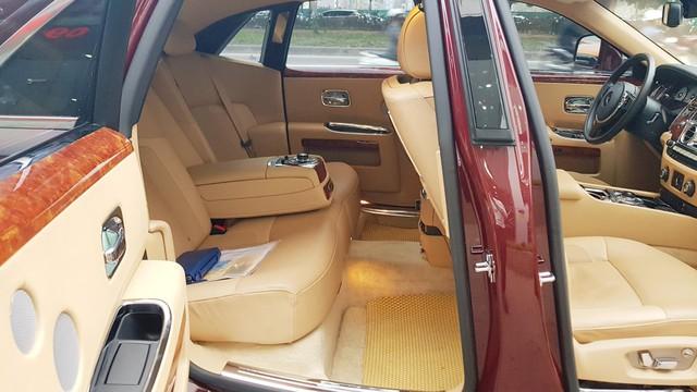 Đại gia Huế tậu Rolls-Royce Ghost Series I từng đeo biển ngũ quý 1, giá hơn 11 tỷ đồng - Ảnh 8.