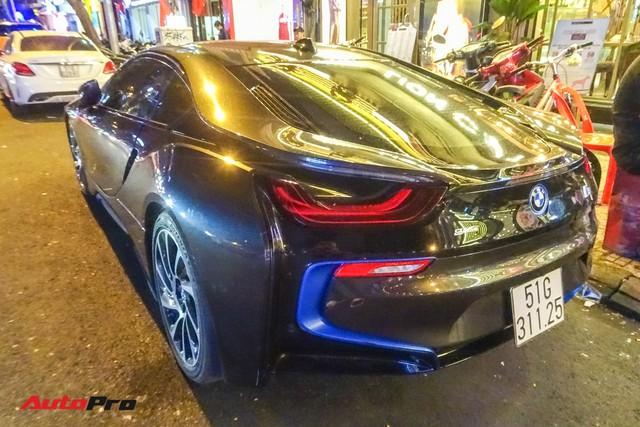 Diệp Lâm Anh lên xe hoa BMW i8 về nhà chồng - Ảnh 8.