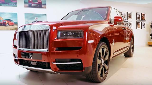 Chủ tịch Đoàn Hiếu Minh công bố bảng giá Rolls-Royce chính hãng: Giá Cullinan gây bất ngờ - Ảnh 2.