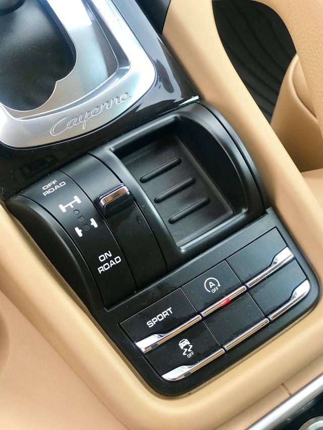 Không thể mua Porsche mới với 2,8 tỷ đồng thì có thể chọn Cayenne 2013 nhiều option và đi hơn 44.000km - Ảnh 17.