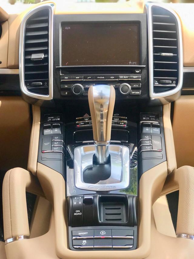 Không thể mua Porsche mới với 2,8 tỷ đồng thì có thể chọn Cayenne 2013 nhiều option và đi hơn 44.000km - Ảnh 16.
