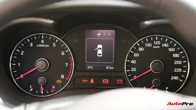 """Giá thấp hơn nhưng Kia Cerato lại có những trang bị """"ăn đứt"""" Toyota Vios - Ảnh 11."""