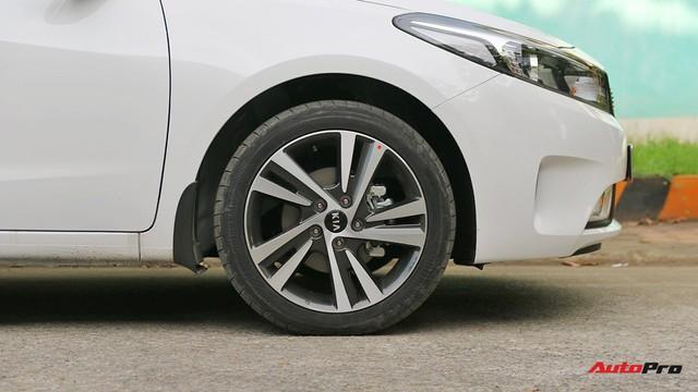 """Giá thấp hơn nhưng Kia Cerato lại có những trang bị """"ăn đứt"""" Toyota Vios - Ảnh 6."""