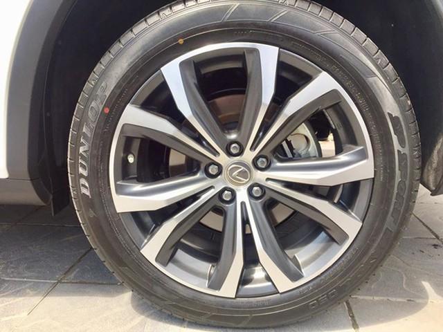 Lăn bánh 15.000km, Lexus RX 200t 2016 được rao bán lại giá ngang khi mua mới - Ảnh 5.