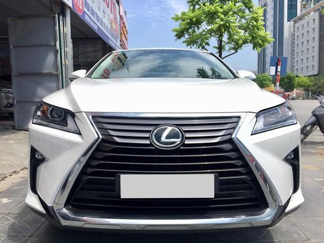 Lăn bánh 15.000km, Lexus RX 200t 2016 được rao bán lại giá ngang khi mua mới - Ảnh 1.