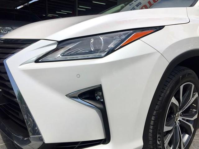 Lăn bánh 15.000km, Lexus RX 200t 2016 được rao bán lại giá ngang khi mua mới - Ảnh 3.