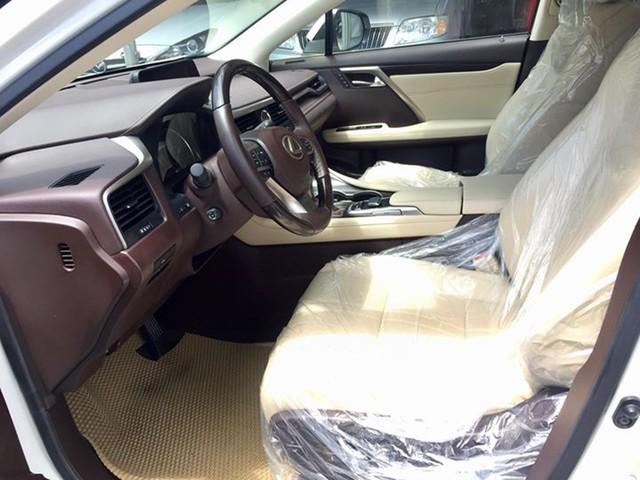 Lăn bánh 15.000km, Lexus RX 200t 2016 được rao bán lại giá ngang khi mua mới - Ảnh 10.